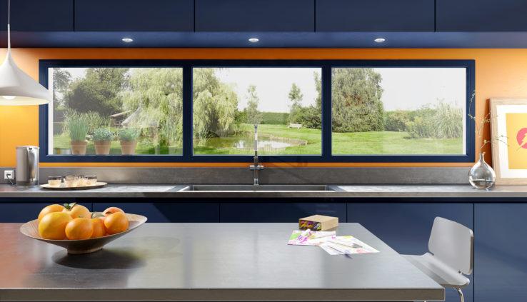 La fenêtre PVC gris anthracite, star de la rénovation ! - ChoisirMaFenetre.fr UFME