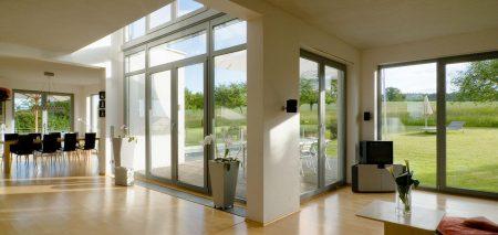 Tout savoir sur les portes-fenêtres PVC ! - ChoisirMaFenetre.fr UFME